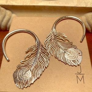 Tawapa Silver Plated Earrings 🌸